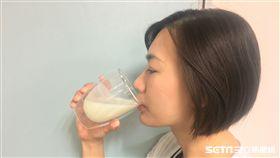 營養師蔡玉思說,優酪乳本身就具有熱量,大量飲用會對身體造成負擔。(示意圖/南投醫院提供)