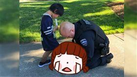 暖心,美國,跪地,綁鞋帶,買鞋,男孩,公園,警察,Cascade View Park
