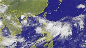 菲律賓東方海面上的低氣壓昨增強為熱帶性低氣壓,不排除可能成為颱風。 圖/中央氣象局