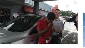 美國阿拉巴馬州搬家工人卡爾,送車,感動(圖/翻攝自RochesterFirst)