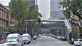 立法院在青島東路上的天橋(翻攝自Google Map)