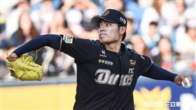 旅韓台灣投手NC恐龍王維中。 (圖/記者林敬旻攝)