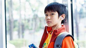 小童星吳至璿飾演的小男孩「生生」是片中靈魂人物。(圖/華映娛樂提供)
