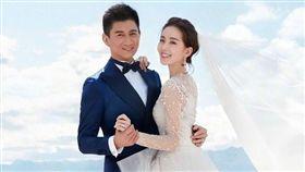 ▲吳奇隆、劉詩詩結婚3年仍像熱戀中。(圖/翻攝自微博)
