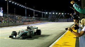 入主Mercedes-AMG V8指定車型送F1行程。(圖/Mercedes-Benz提供)