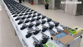 財政部關務署與刑事警察局聯手破獲504把空氣槍,內政部長徐國勇指示見警率必須提高(翻攝畫面)