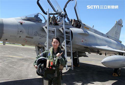 M2000-5幻象戰機女飛官蔣青樺。(記者邱榮吉/台東拍攝)