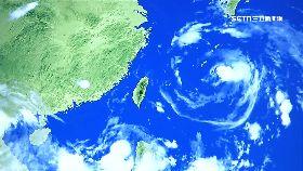 雙颱夾台灣1200