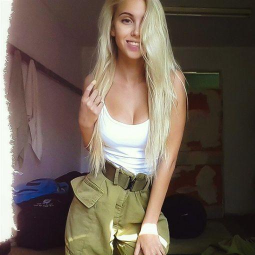 ▲以色列女兵(圖/翻攝自IG)https://www.instagram.com/explore/tags/israelisoldier/?hl=zh-tw