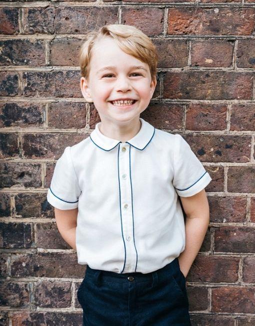英國喬治小王子,凱特王妃,BBC,每日郵報