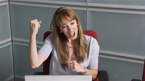 開心,業績,辭職,離職,錄取,成就感,辦公室,上班族,OL(示意圖/Pixabay)