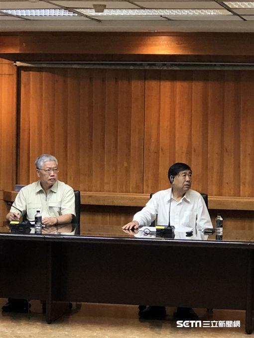 中華奧會副主席陳士魁(左)。(記者劉忠杰攝影)