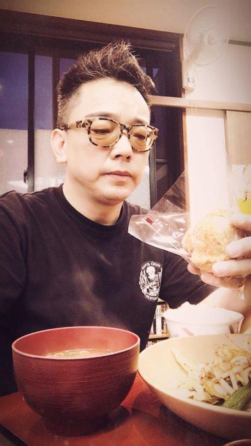 詹惟中/翻攝自臉書