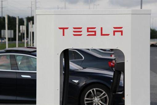 特斯拉,電動車,超級高鐵,手機,iPhone X,Tesla圖/翻攝自新浪科技
