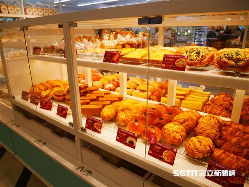 7-ELEVEN,小七,超商,麵包店。(圖/記者馮珮汶攝)