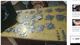 前妻索25K贍養費 夫全換硬幣支付 印度,昌迪加爾,離婚,贍養費,盧比,硬幣,律師 https://timesofindia.indiatimes.com/city/chandigarh/man-tosses-rs-24600-in-coins-as-alimony/articleshow/65126582.cms