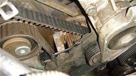 老車正時皮帶與水泵浦要一起換(圖/車訊網)