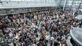德國慕尼黑機場200航班停飛(圖/美聯社/達志影像)