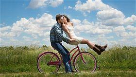 情侶,交往,戀愛,情人,感情,男朋友,女朋友 (圖/Pixabay)