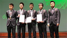 國際物理奧賽 台獲4金1銀2018年國際物理奧林匹亞競賽29日揭曉成績,台灣代表學生共獲得4金1銀。(教育部提供)中央社記者許秩維傳真 107年7月29日