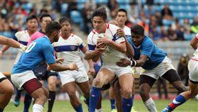 ▲中華隊(白色球衣)下半場逐漸拉開與印度的差距。(圖/中華橄欖球協會提供)