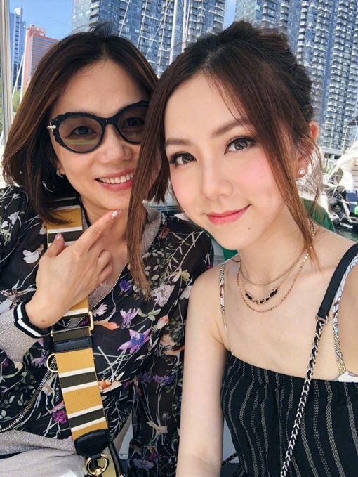 鄧紫棋母女 圖/翻攝自鄧紫棋臉書