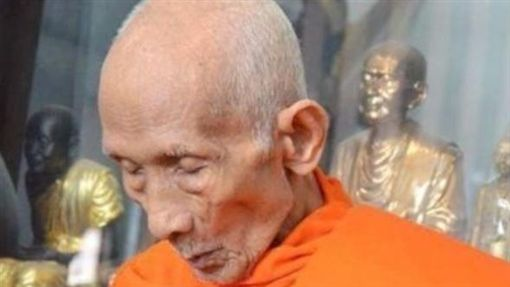 泰國,高僧,火畫,遺體,龍婆Ruai(圖/翻攝新浪微博)