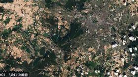 德國,炎熱,衛星照,變色,柏林綠地(圖/翻攝自ESA推特)https://twitter.com/esa/status/1024346956217430017