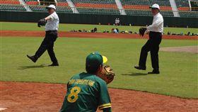 合庫棒球育樂營開訓 學童向球星看齊