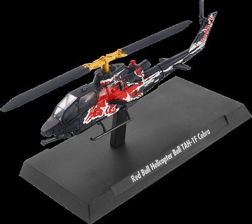 Red Bull Helicopter Bell TAH-1F Cobra。(圖/Red Bull提供)