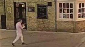英國一名士兵失蹤2年,疑被丟入垃圾車中碾碎。(圖/翻攝Daily Telegraph)