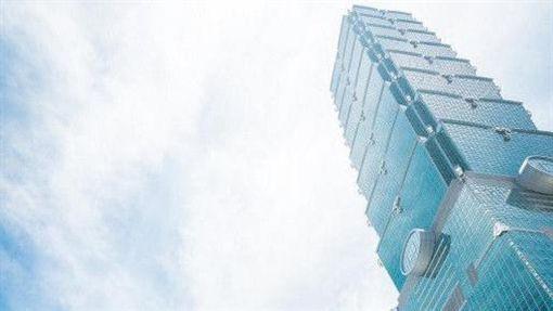 台北101發生首例極限蜘蛛人垂降事件,警方將2名男大生送辦。(圖/翻攝自台北101官網)