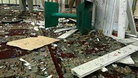阿富汗清真寺遭自殺炸彈攻擊(圖/翻攝自推特)