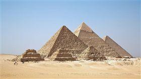 研究,科學,聚集,能量,埃及,金字塔,神秘,結構,設計,太陽能,感應器,Andrey Evlyukhin 圖/翻攝自維基百科 https://goo.gl/hrrF46