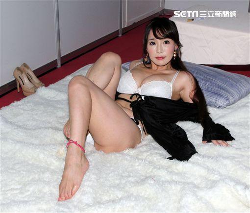 AV女優「美乳一姐」高瀨杏。(記者邱榮吉/攝影)
