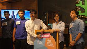 陳其邁提出「我挺你123」政策 支持青年創業。(圖/陳其邁辦公室提供)