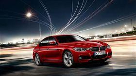 BMW 3系列豪華白金版。(圖/BMW提供)
