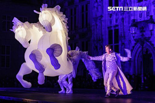 新北市文化局,2018新北市兒童藝術節,法國Compagnie des Quidams,劇團,FierS à Cheval夢幻之馬,市民廣場