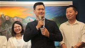 柯文哲17日受邀赴時代力量港湖區市議員參選人蕭新晟的競選辦公室開幕茶會 時代力量提供