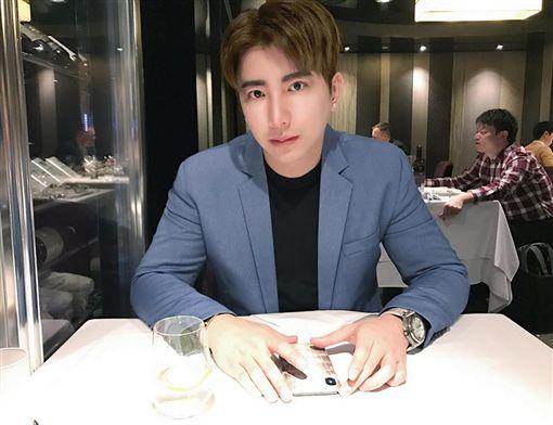 張東晴,新歡,吳亞璟/翻攝自臉書