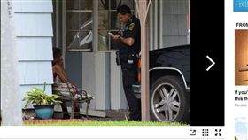 變態當孫女面DIY 奶奶掏槍轟下去 美國,德州,暴露狂,自衛,自慰,開槍 https://www.chron.com/news/houston-texas/houston/article/Woman-shoots-man-who-exposed-himself-to-13139225.php#photo-15981087