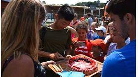 曾俊欣在尼斯過17歲生日。(圖/Mouratoglou Tennis academy提供)