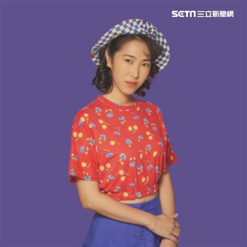 王若琳及專輯《摩登悲劇》 圖/索尼音樂提供