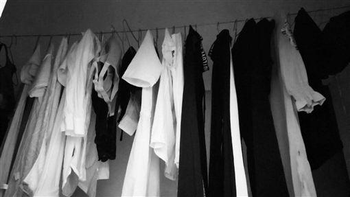 鬼月,晾衣服,/翻攝自微博 ID-1490737