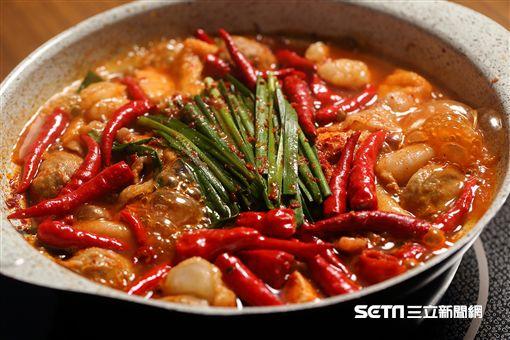 AKAKARA,「赤から鍋」,地獄鍋。(圖/業者提供)