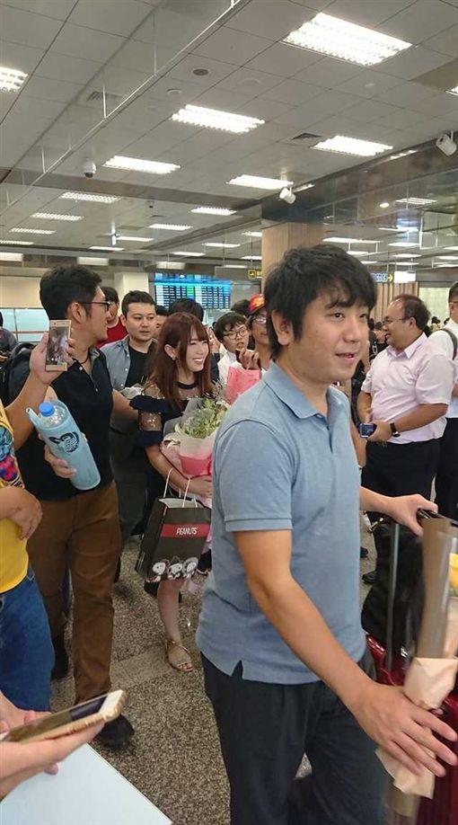 日本,AV女優,波多野結衣,機場,暴動(圖/翻攝自臉書爆廢公社)