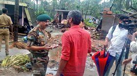 印度,豪雨,災情,死亡,受困(圖/翻攝自LCA Tejas's Twitter)