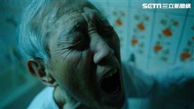 高振鵬在戲中演出痛苦尿出血尿的表情十分猙獰到位。(圖/公視提供)