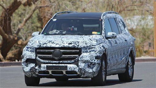 Mercedes-Benz GLS偽裝車。(圖/翻攝motorbox網站)