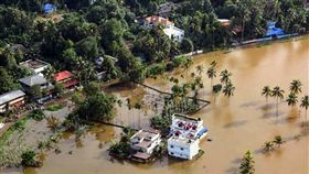 印度雨季洪水成災 7省合計774死 印度,洪水,雨季,豪雨,死亡 翻攝自推特